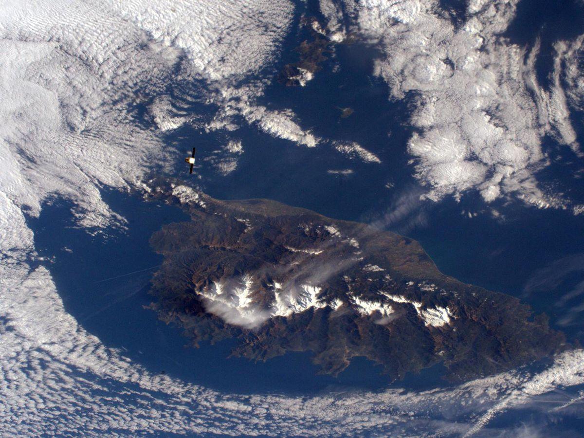 la Corse vue de l'espace depuis la station spatiale depuis l'ISS(400 km de la Terre) • © Thomas Pesquet, via Facebook